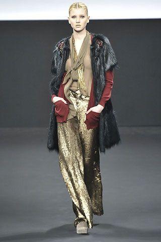 Maurizio Pecoraro Fall 2008 Ready-to-Wear Fashion Show - Alexandra Tretter
