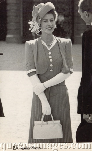 then Princess Elizabeth 1947 . . .so pretty and a great outfit
