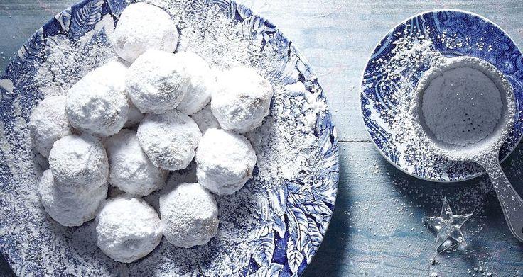 Almond Snow Balls - Kourabiedes