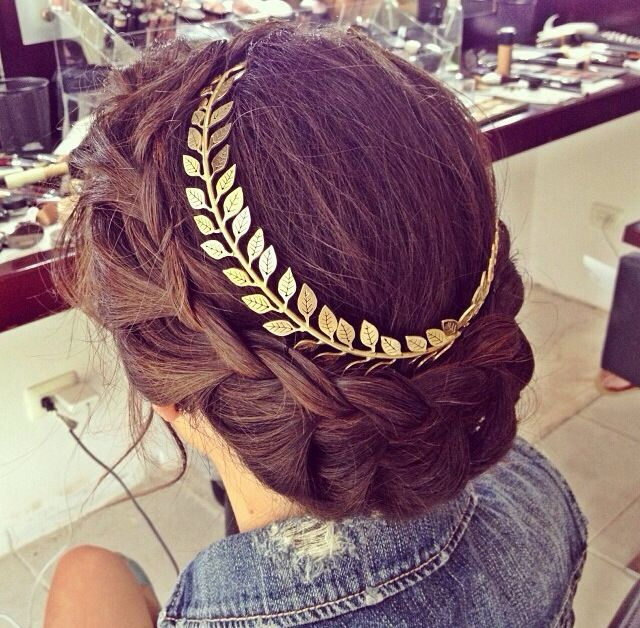 Grecian Glam...I like the idea of adding actents to the hair