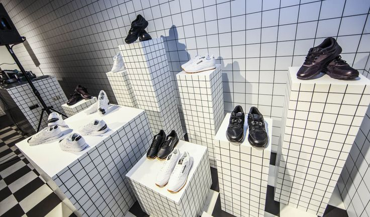 Reebok showroom installation in Teniskology 2015