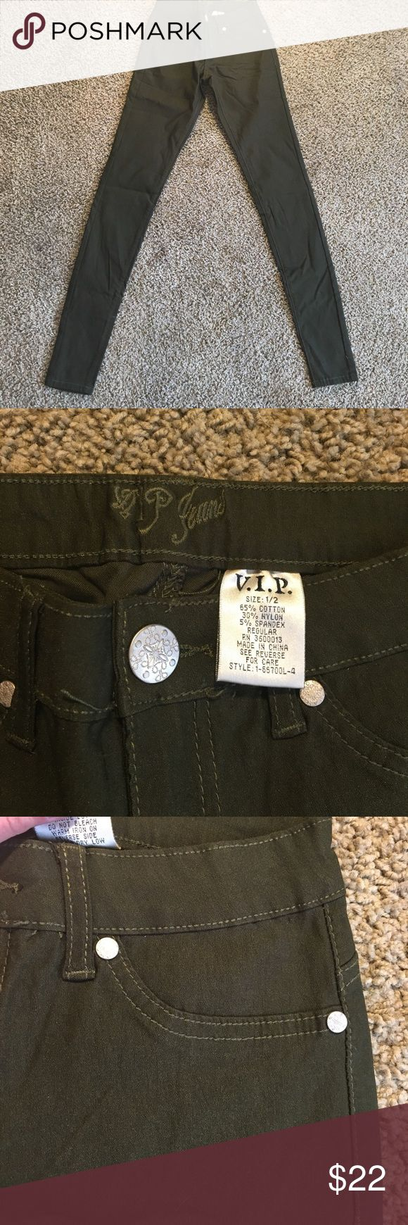 V.I.P. Jeans Brand nwot , never worn! Size 1/2 more towards a 1 - true to size, comes from a smoke and pet free environment :) There are no flaws, tears, or marks. I am open offers! Additional pictures upon request. VIP Jeans Skinny