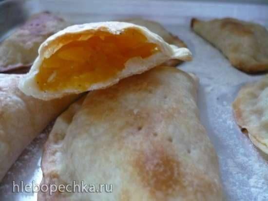 Заварное пресное тесто для печеных пирожков и любимая начинка из тыквы.