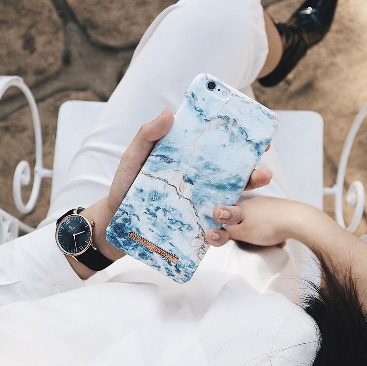 #oceanmarble #phonecase #nails #fashion #accessories #white @cessmirandilla