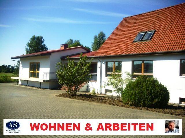 *Sonder-PREIS* in 17235 Neustrelitz, neuwertiges 1-3 Fam-Haus, Baujahr 1999 mit (Halle/Büro) auf 2990 qm Grundstück zu verkaufen!  http://www.as-makler.de/html/17235_neustrelitz_ca__480_qm_f.html