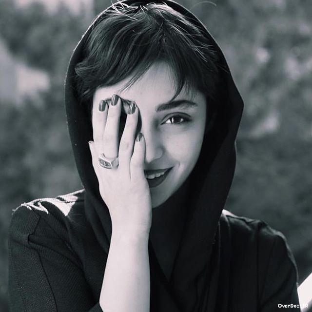سایت تفریحی و سرگرمی فانصدا عکسهای جدید و شخصی هستی مهدوی Black And White Hepburn Audrey Hepburn