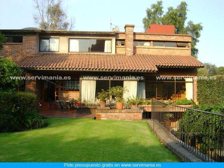 ¿Te gusta esta terraza y jardín? Visita http://www.servimania.es/ para pedir un presupuesto gratis.