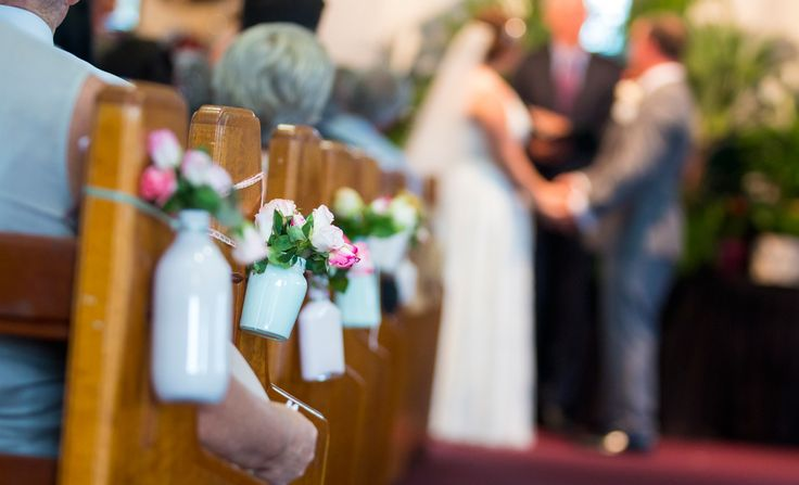 Painted bottles = aisle decorations - Salt Studios| Toowoomba Wedding and Commercial Photography