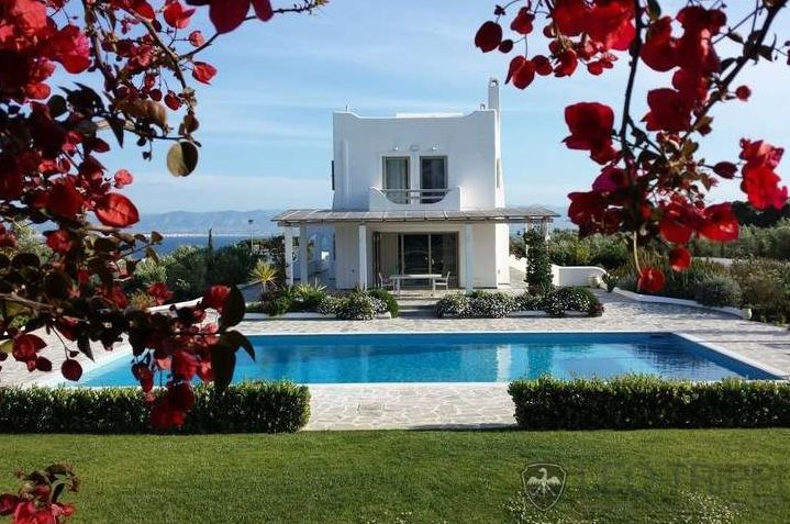 #Greece #villa #pool