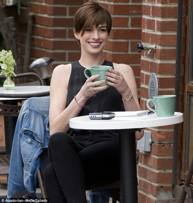 Anne Hathaway Ellen Drinking: 836 Best Images About ♥ Coffee, People, Places On