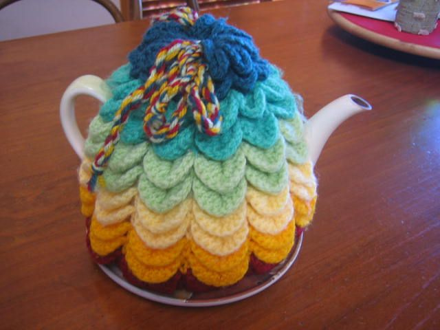 #crochet pattern crochetroo: Scallop Tea Cosy Instructions
