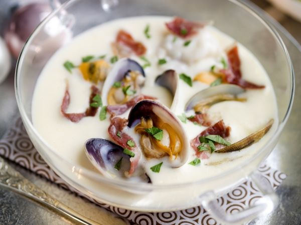 Zeevruchtensoep met gedroogde ham - Libelle Lekker!