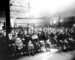 Dutch immigrants in Pier 21 waiting hall  Photo courtesy of Pier 21