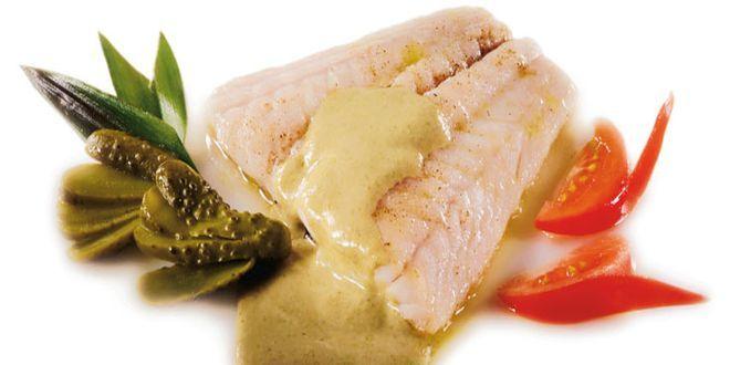 Filetes de Corvina en Salsa de Anchoas, una sencilla, rápida y deliciosa Receta. Estos son los Ingredientes y el Modo de preparación paso a paso para cuatro personas.