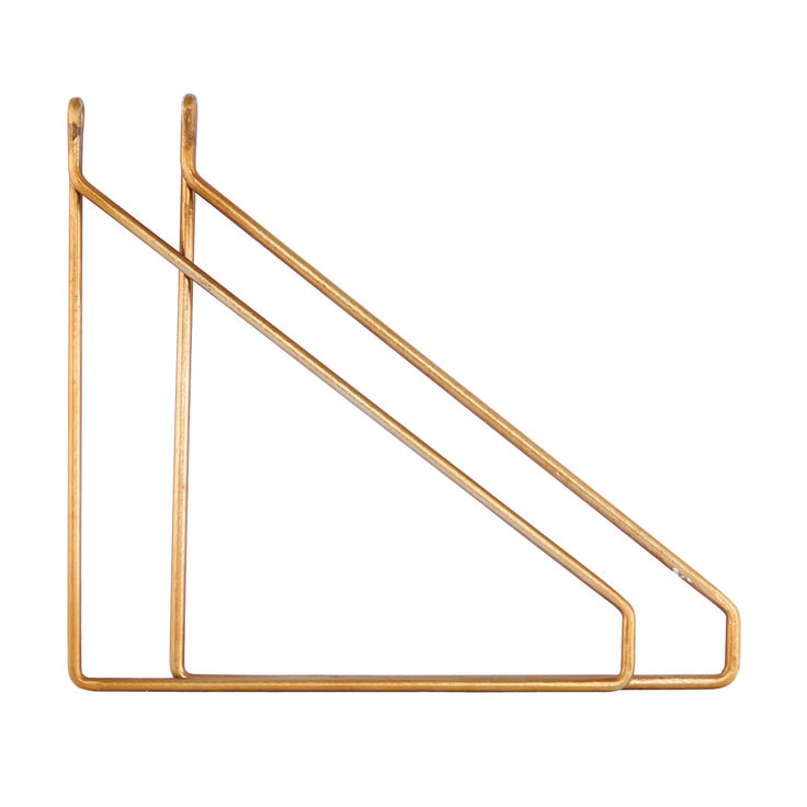 Deze stoere brons kleurigeplankdragers van House Doctor toveren een simpele plank in een mum van tijd om tot eyecatcher! Kijk, zó hang je dus op een origi