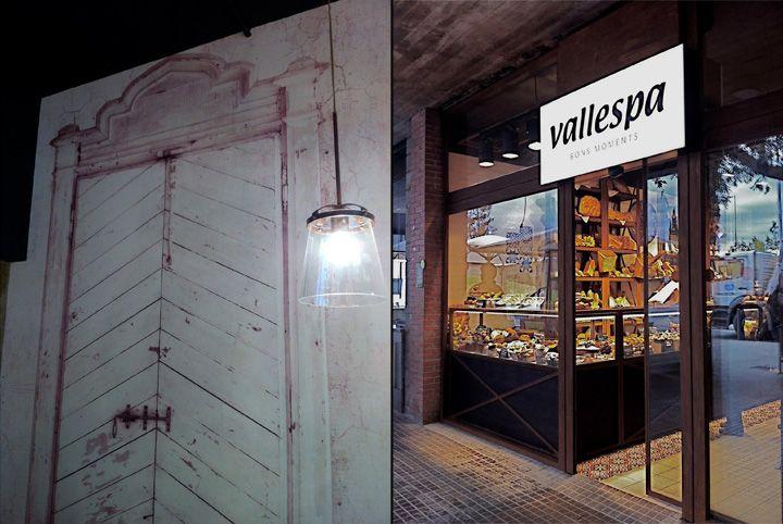 Интерьер булочной-пекарни Vallespа в деревенском стиле