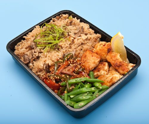 Mushroom rice and lemon chicken nugget bento - Mushroom rice sounds sooo good right now! Love the healthy Japanese recipes on this blog!