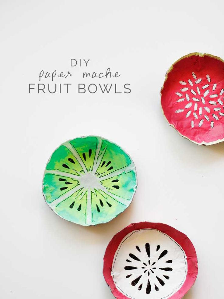 Bol en papier maché : kiwi, pitaya....These paper mache fruit bowls are an easy DIY just in time for summer