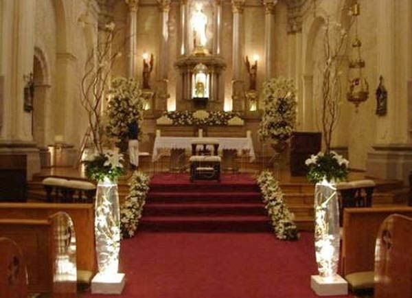 Decoraci n de iglesias boda pinterest altars for Decoracion iglesia boda