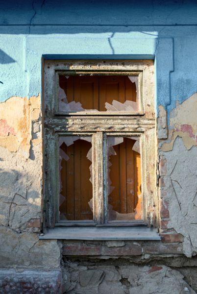 abandoned by Hajnalka Farkas