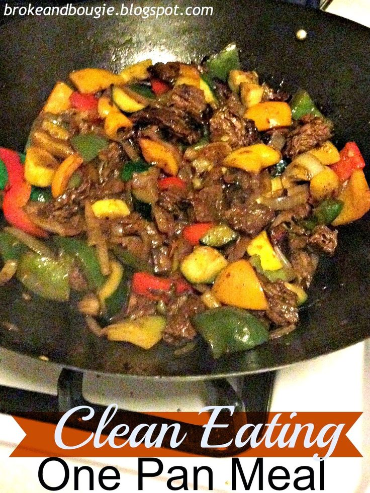 quick and easy Clean Eating 1 Pan Meal: throw together onions, pepper, steak and zucchini for an easy supper