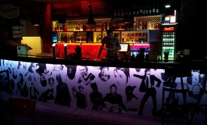 Znajomi Znajomych - Great nightclub definitely worth visiting #Warsaw