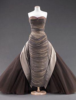 """Фото 22. Бальное платье """"Бабочка"""". Дымчато-серый шифон, палевый серый атлас, баклажановый, лавандовый и устрично-белый тюли. 1955 г."""
