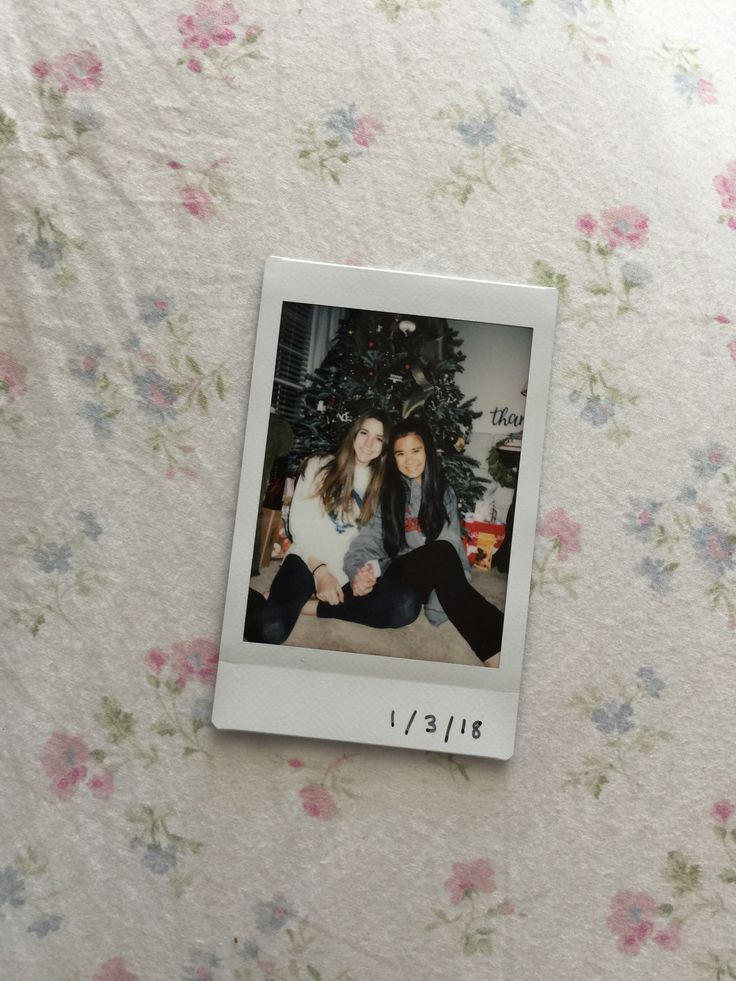 Polaroid // Christmas // Best Friends