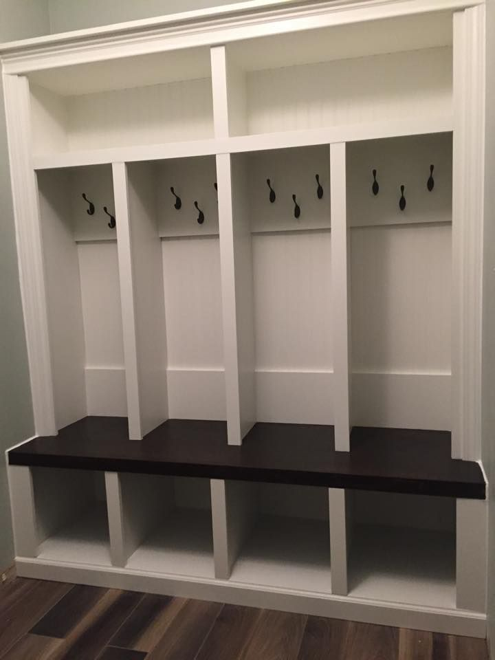 4 Cubby Mudlocker Mudroom Entranceway Bench Built In Mud Locker With Storage Entryway Lockers Dropzone 2019 Cubbies