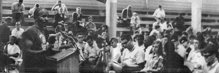 [Atlanta Inquirer photo]Rev. James Bevel, SCLC, speaking to SCOPE volunteers at the orientation in Atlanta, GA.