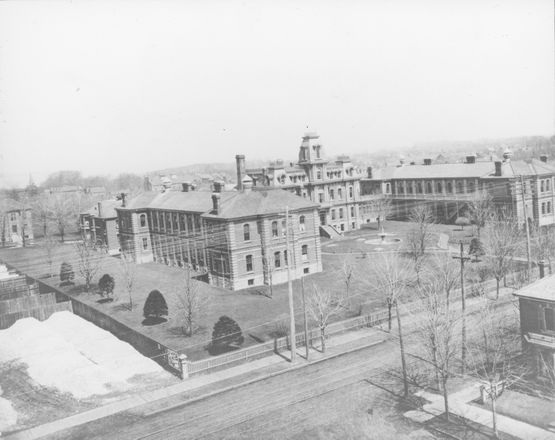 Historypin | Map | In 1879 City of Hamilton bought 4 acres north of barton between Victoria and Wellington. It opened 1882. Maternity unit opened 1892 and in 1938 the first cancer clinic in Hamilton was established at the General