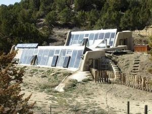 Earthship building in France