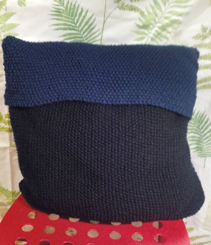 Hand knitted cushion cover by Nokireki on Etsy
