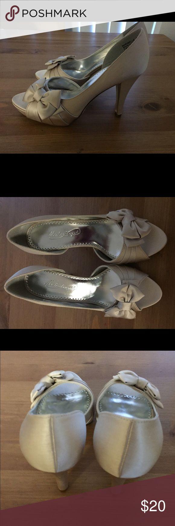 David's bridal satin mirabella bow heels Davids bridal Mirabella satin peep toe heels with cute bow David's Bridal Shoes Heels