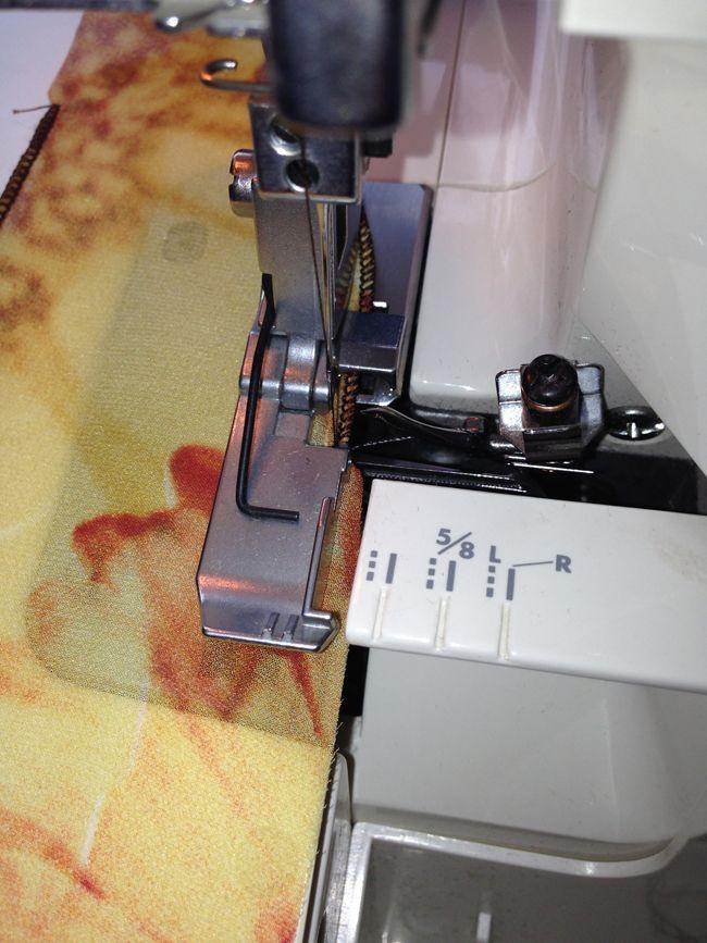 Обработка ролевым швом прямых и косых срезов изделия