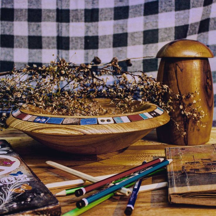 Moreover, the charm of wood and ceramic has never been changed for centuries.