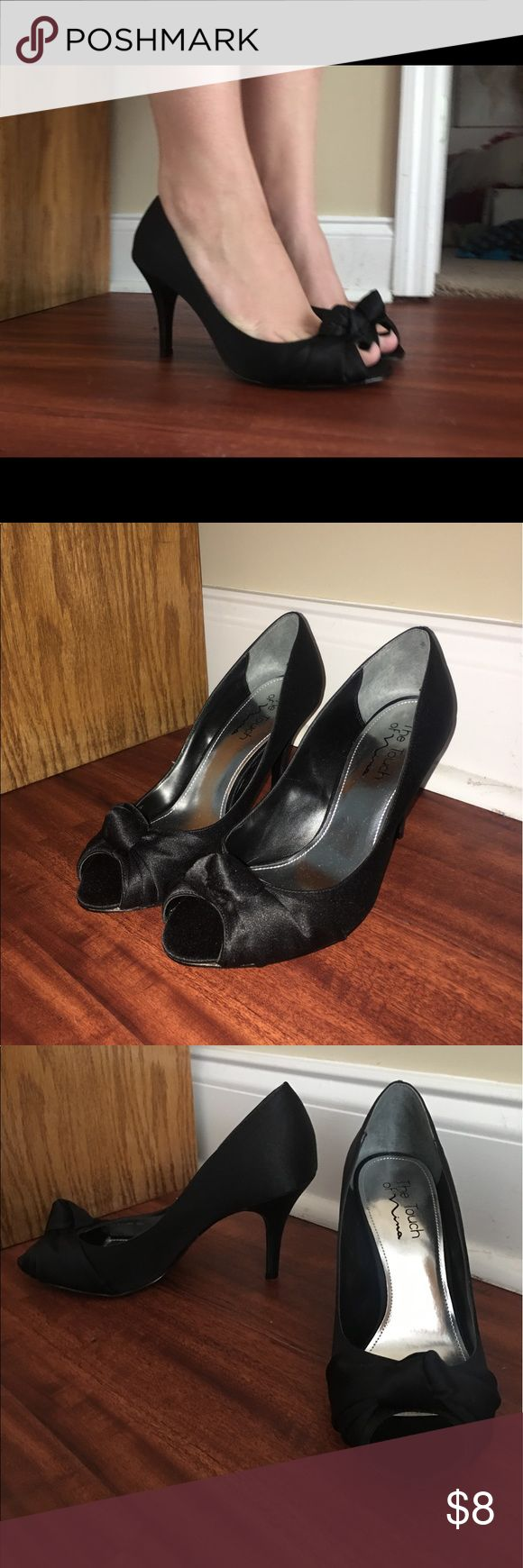 Black Heels!!!! Very cute black heels, very comfortable. Never worn but purchased used. No snags or weird spots. Size 7 1/2M. If you have any questions please ask me! Nina Shoes Heels