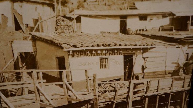 El ajetreo del puerto y el intercambio comercial hicieron de esta ciudad el principal punto de recalada de Chile y uno de los más importantes del Pacífico sur. Los contrastes entre una ciudad moderna y la precariedad de la vida en las quebradas y arrabales de los cerros, junto a los frecuentes desastres naturales que azotaban la costa, fueron unas de las temáticas recurrentes en la obra de T. Kuhlmann.