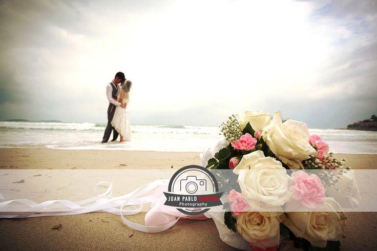 ¿Cuales son los tramites legales para casarse en la playa? - http://www.juanpabloromero.com/blog/reportajes-fotograficos-de-bodas-en-granada-tramites-boda-playa/