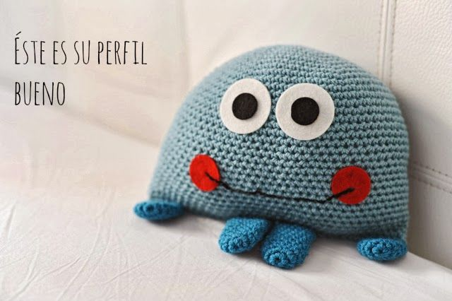 Pulpo Paul en azul. Patrón gratis. - Blue Paul the octopus. Free pattern.