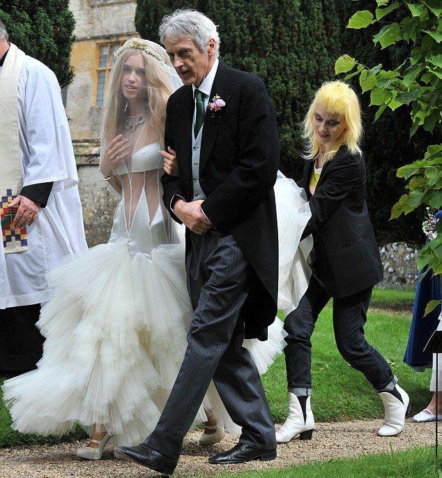 Поп-дива Леди Гага и актер Тейлор Кинни решили пожениться