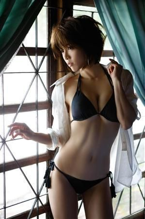 進化した釈由美子!10年ぶり写真集発売(2)