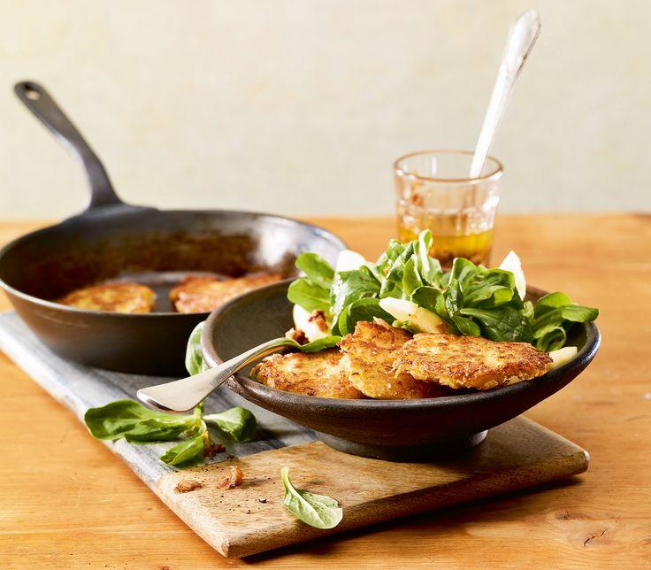 Sauerkraut kann man nicht nur auf einer Berner Platte geniessen. Zusammen mit Kartoffeln ergibt es köstliche Küchlein.