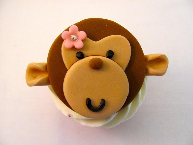 Aapje fondant decoratie / monkey cupcakes fondant www.hierishetfeest.com
