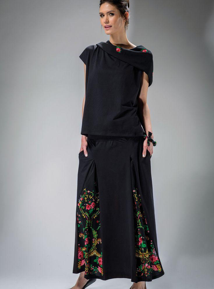 #SPÓDNICA #GÓRALSKA z efektownymi #kontrafałdy #skirt  #stylgóralski #modaludowa #moda #fashion #mapepina #etno #ludowo #artfolk #polskifolklor #madeinpoland #polscyprojektanci #polishdesign #motifflower #black #red #fashion #stylish #stylowo #folktrends