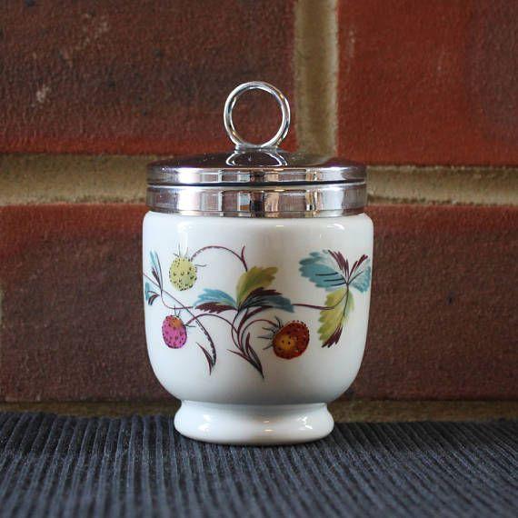 Royal WORCESTER egg coddler cup wild strawberry design / baby