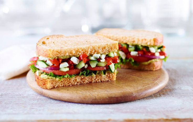 Panera: Mediterranean Veggie Sandwich (on Whole Wheat), 460 calories http://www.runnersworld.com/nutrition/8-higher-calorie-fast-food-meals-you-should-order/slide/2