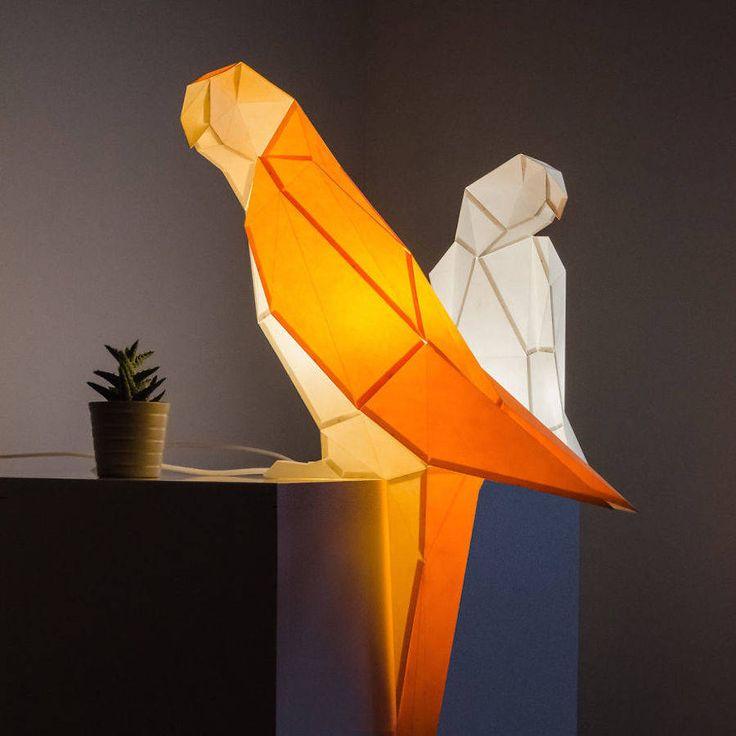 Desain lampu origami berbentuk hewan ini dirancang oleh Hugo dan Teresa, yang tergabung dalam brand OWL Paperlamps, sebuah brand yang berasa...