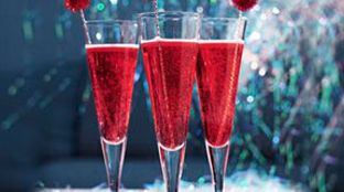 Mistletoe Punch- i use champagne, cranberry pomegranate juice, and ...