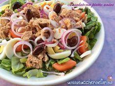 L'insalatona piatto unico è l'idea furba per quando si ha poco tempo per cucinare o comunque si preferisce un piatto freddo ma completo.